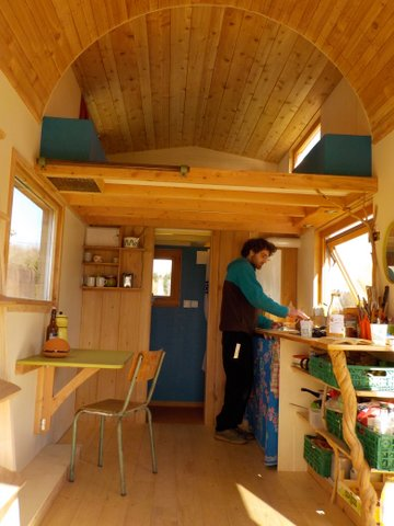 intérieur, tiny house, bois, habitat alternatif